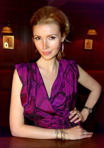 Hilary Rowland, Influencer Marketing Blogger Magazine