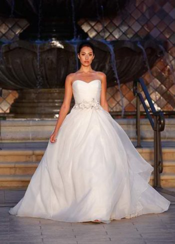 Enzoani: Couture Bridal