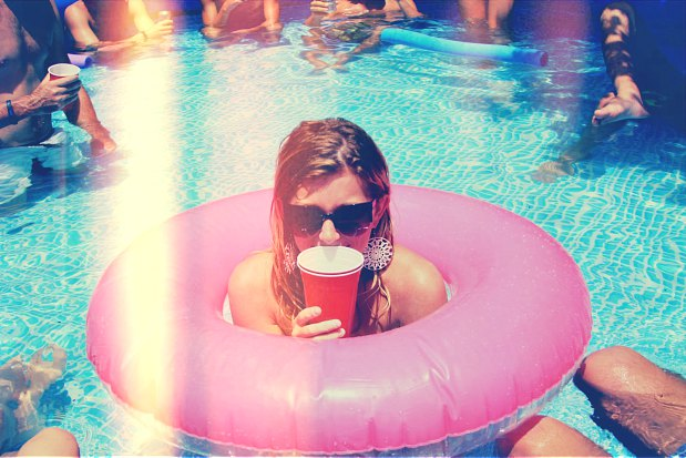 10 Things Every Girl Should Have Before Turning 30