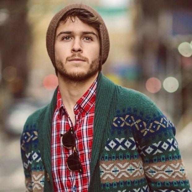 Brown hair blue eyes guy regular dating profile