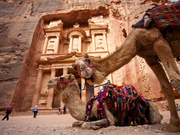 A Week in Jordan: Adventure, Glamping, History, Beaches & Food