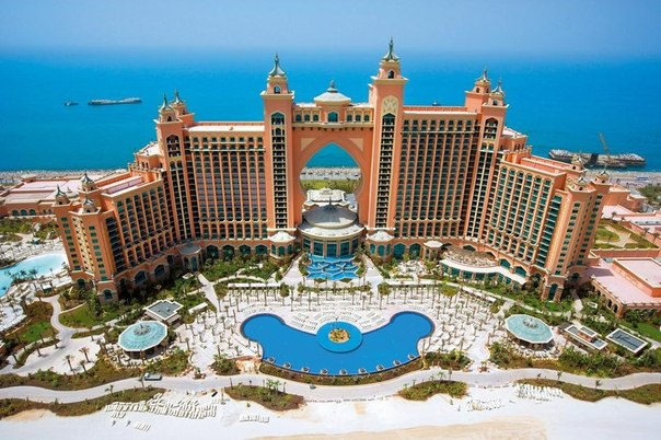Dubai: Your Complete Travel Guide to this Land of Excess