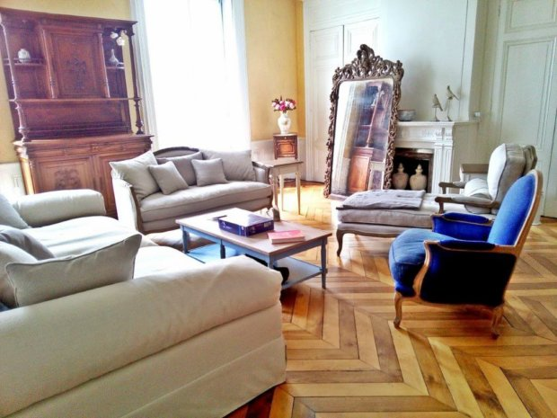 My French Home Decor DIY Makeover: Living Room